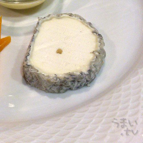 シェーブルチーズ サントモール・ド・トゥーレーヌ A.O.P.