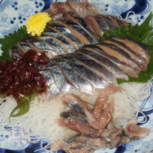 秋刀魚刺し