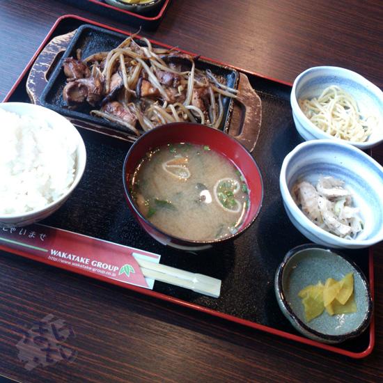 魚鶏屋(TOTORIYA) 新横浜 白レバー炒め定食