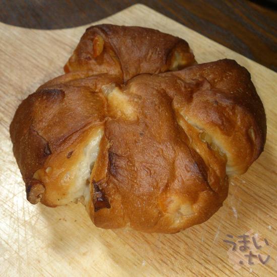 前田パン くるみとオレンジのパン