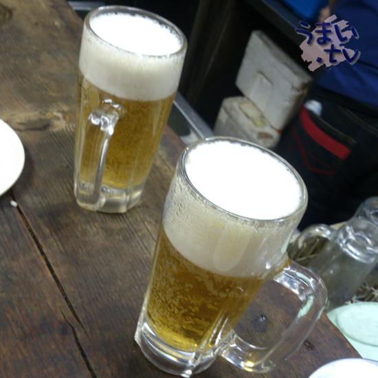 歌舞伎町 もつやき かみや 生ビール