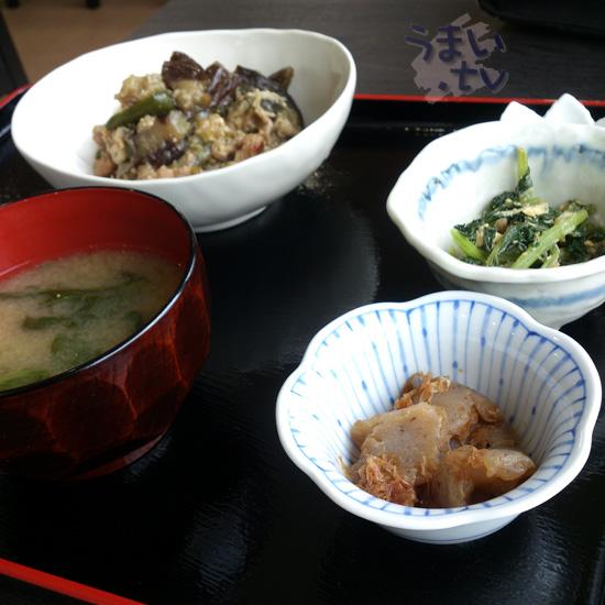 I定食むにゅ 豚肉となすの味噌炒め定食 830円