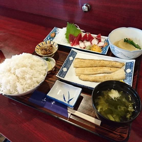 食事処 土筆 昼の「おまかせ定食 ご飯大盛り」